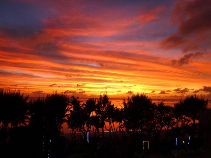 ハファダイビーチホテルからの夕焼け~ん♪